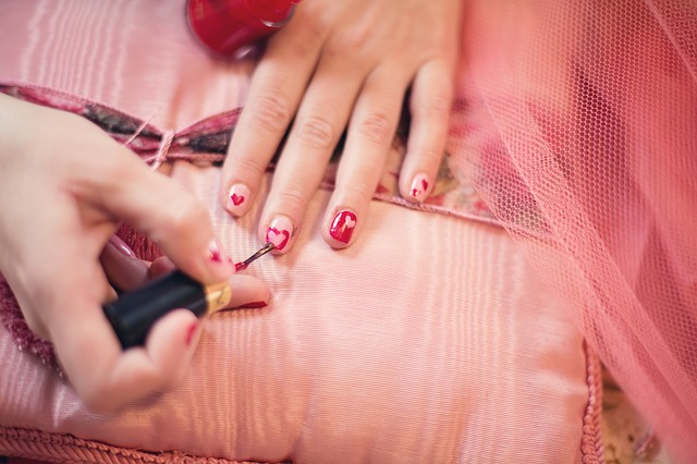 3 Reasons to Visit A Nail Salon